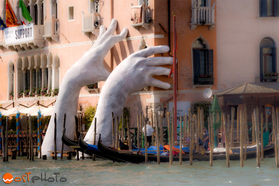 Italy, Venice, Lorenzo Quinn, Rising Hands, Grand Canal, Art, climate change