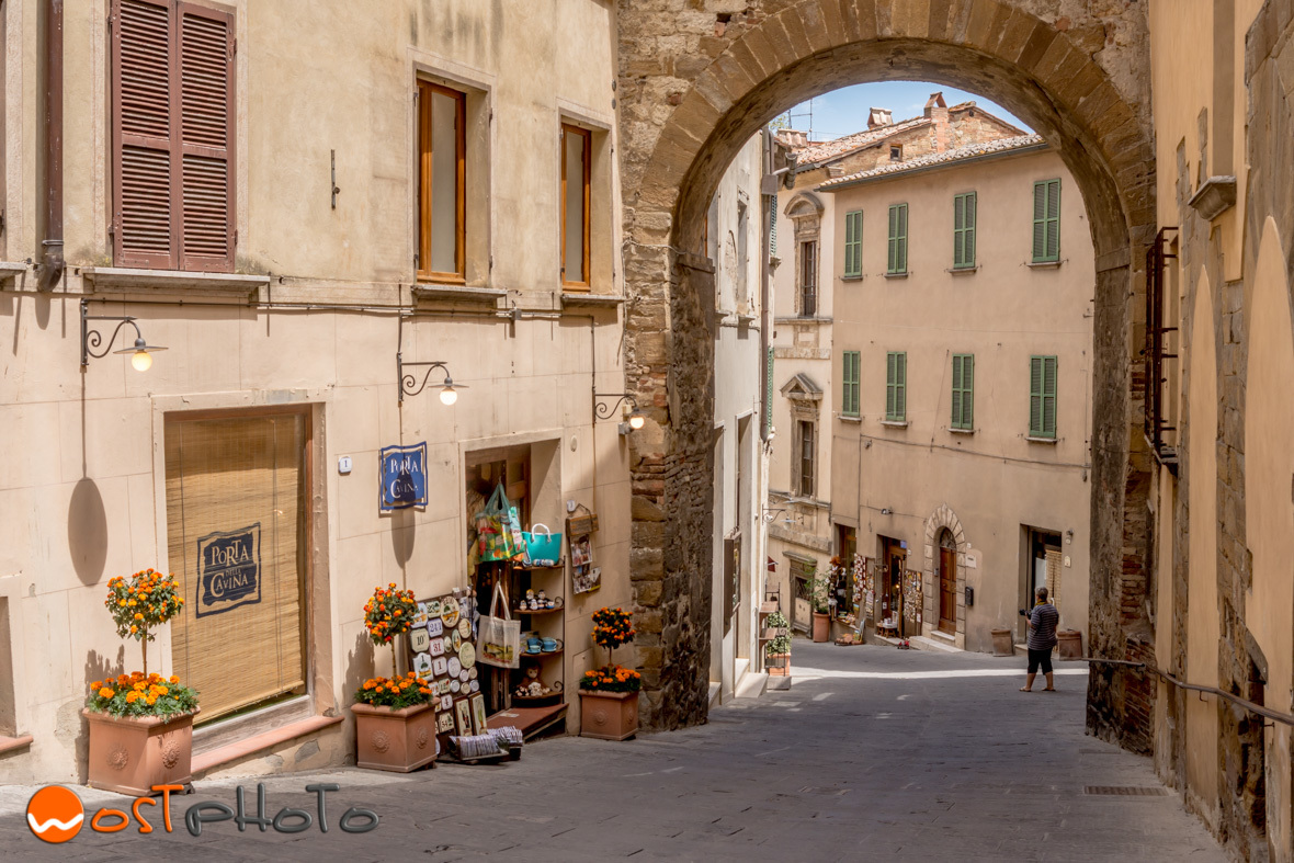 Stores at the Corso in Montepulciano, Tuscany/Italy