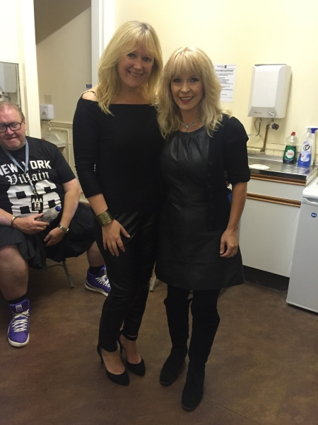 Leighann with Toyah Wilcox after she supported her for 2 nights in Stonehaven.