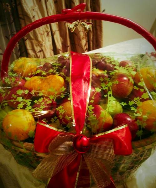 Large Fruit baskets