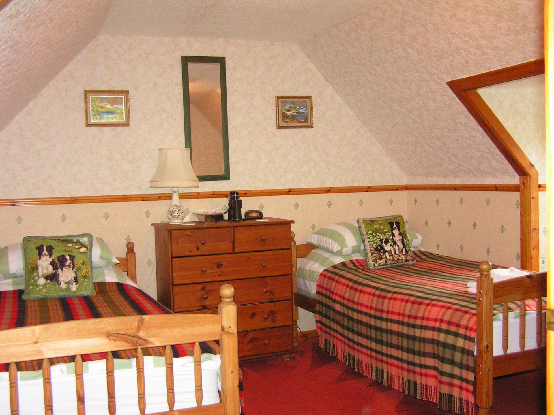 Highland House Twin room