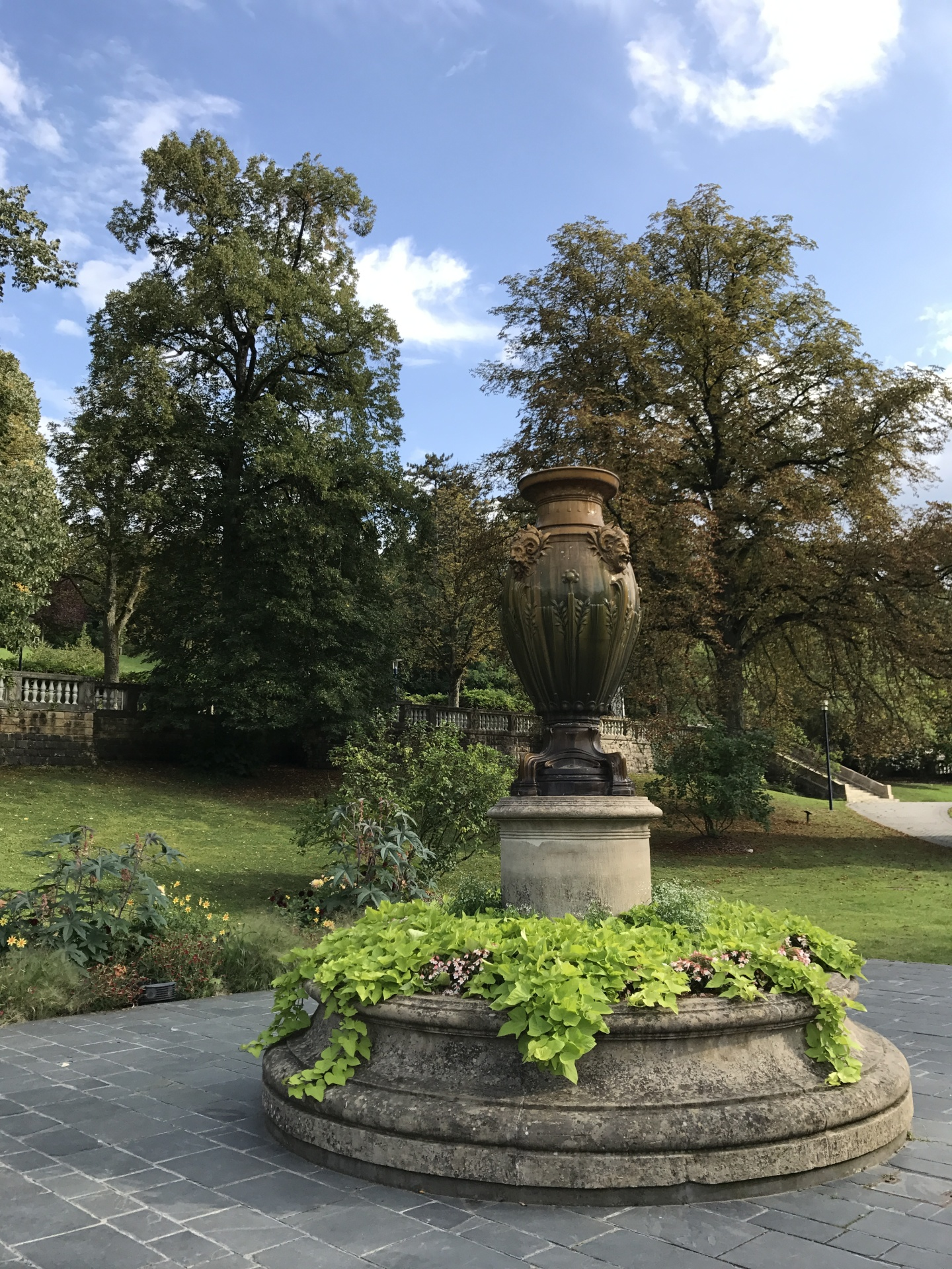 In the Mondorf park, by the spa, you will feel like a roman patrician on a day off !