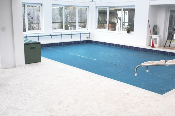 Swimming pool and tiling