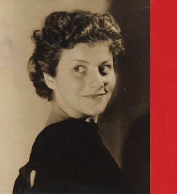 photograph of viola spolin for the growth of improv theatre in chicago, improvisational theatre chicago