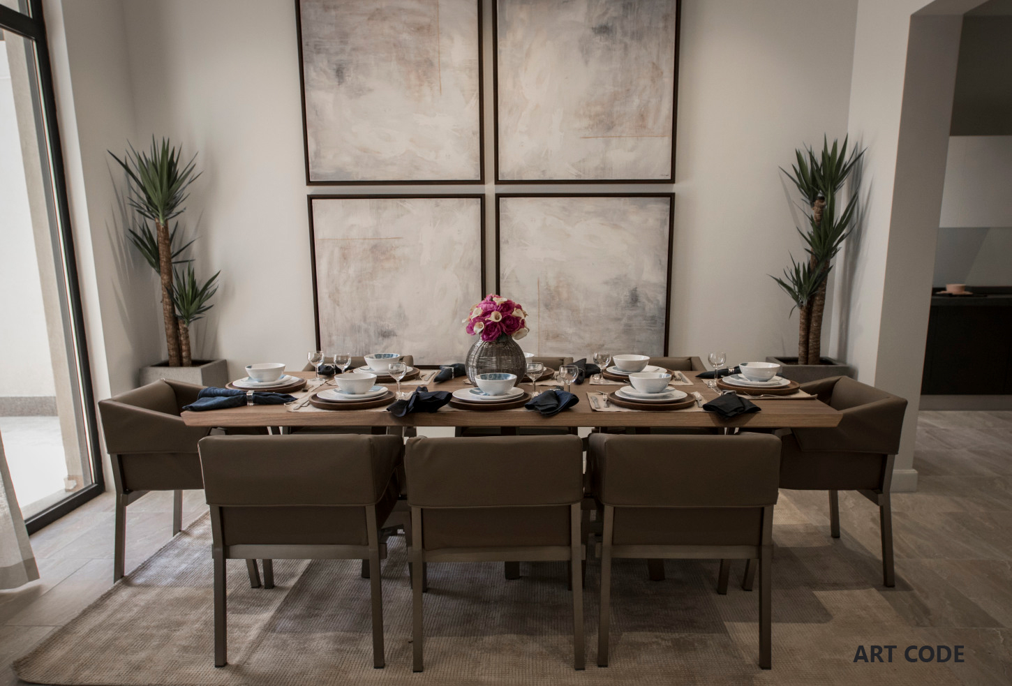 FAMILY DINING AREA (6)