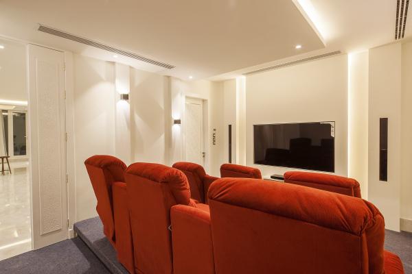 CINEMA ROOM (1)