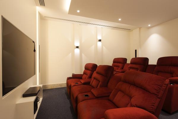 CINEMA ROOM (2)