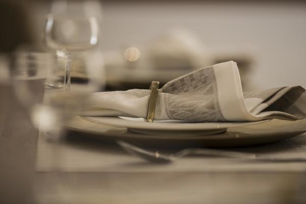 DINING AREA (3)