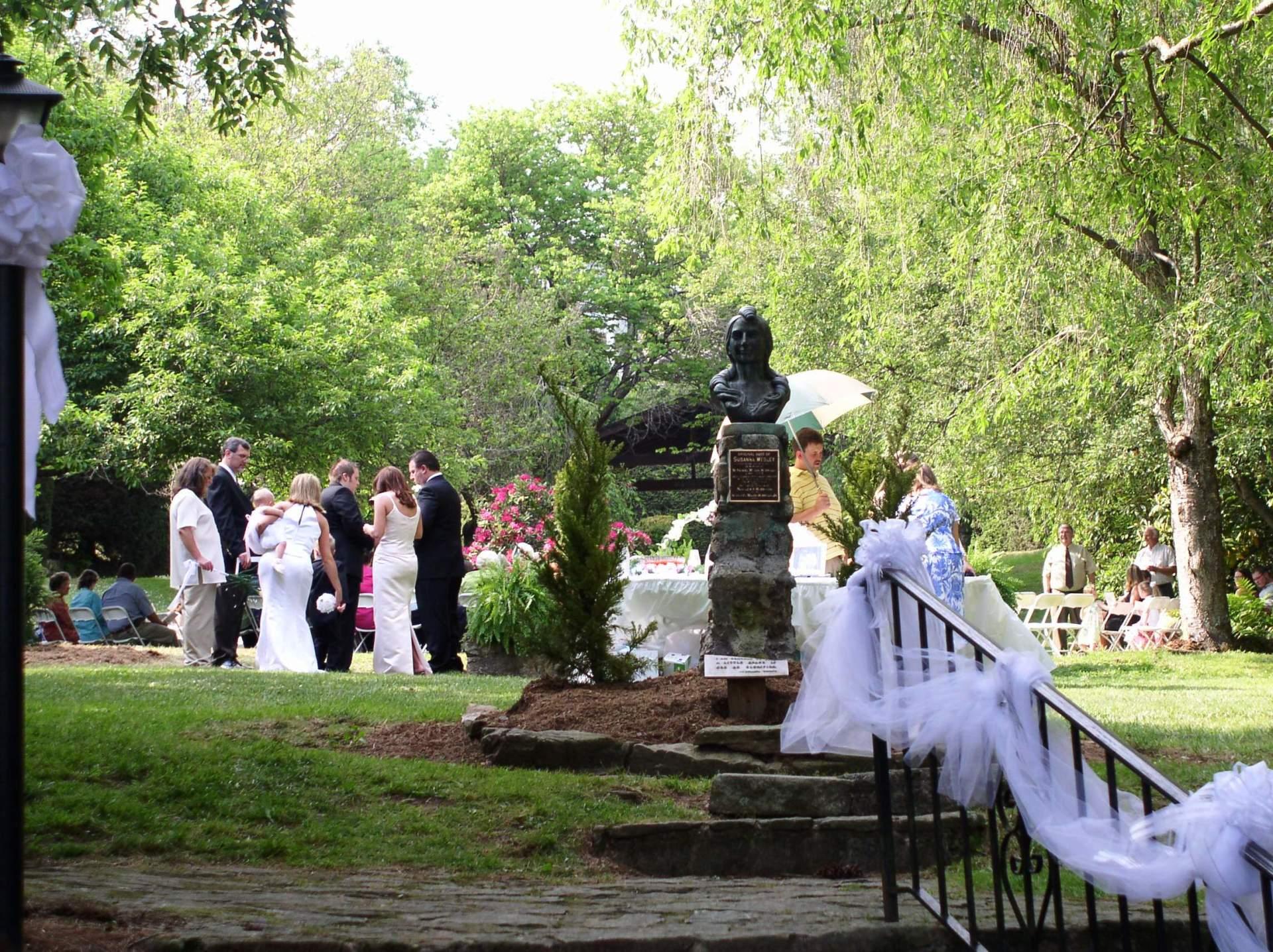 Butterfly-Garden-at-Lake-Junaluska-Wedding