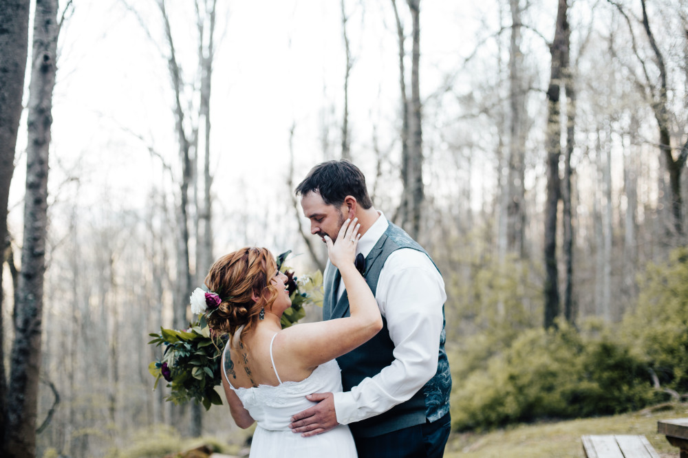 A Sweet Cabin in the Woods Elopement