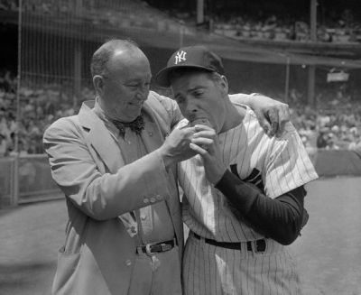 Ty Cobb Feeds Georgia Peach To Joe DiMaggio
