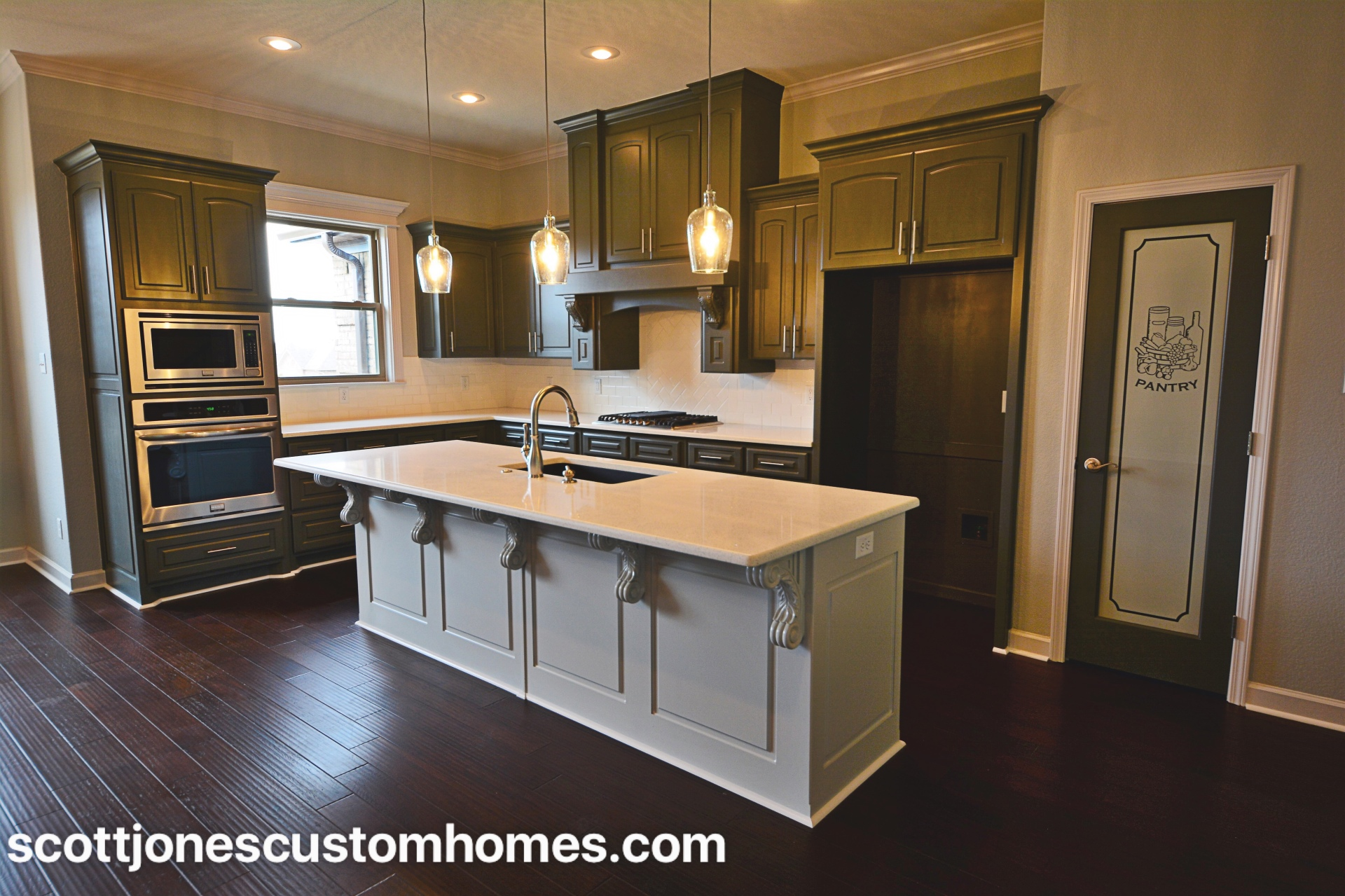 Maelstrom Home Kitchen