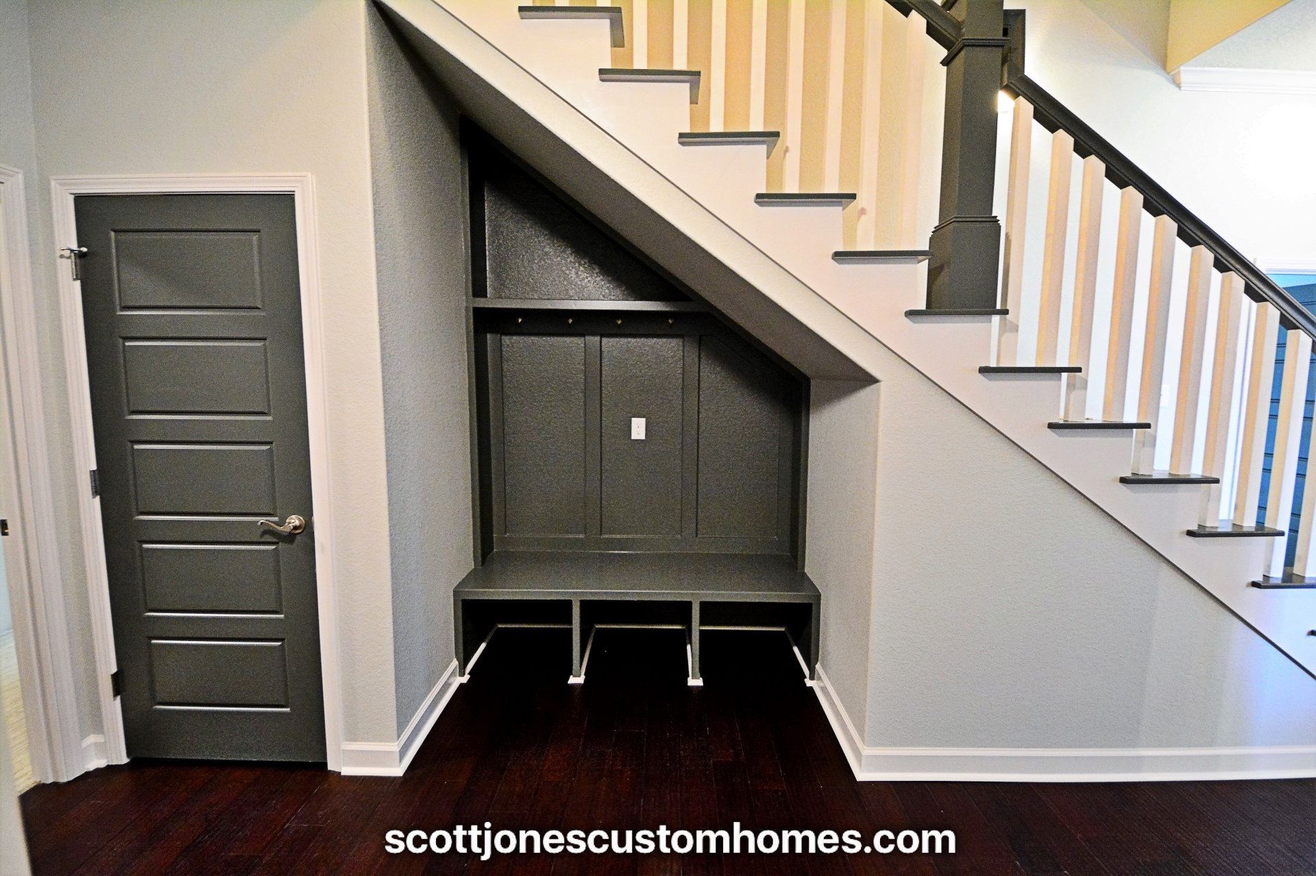Maelstrom Home Hallway, Mudroom with Bench and Cubbies
