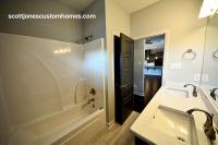 Maelstrom Home Full Bath