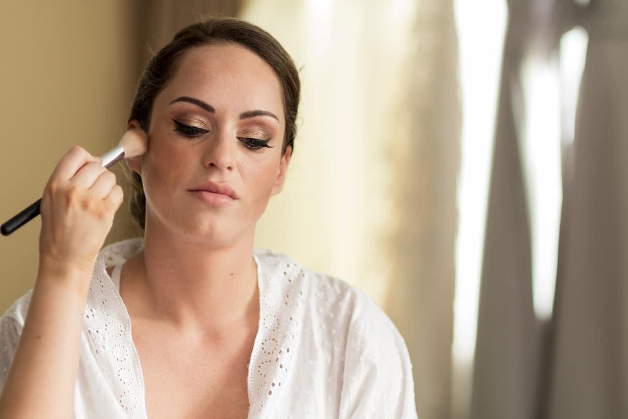 Glam bride.  Makeup Artist. Edinburgh Wedding Makeup Artist
