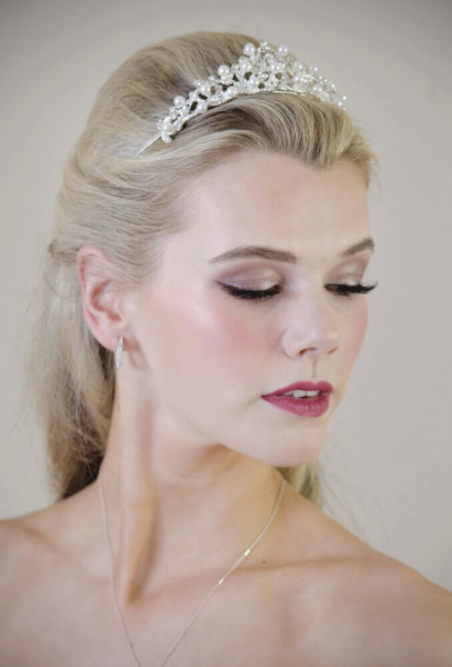 Bridal makeup.  Glam bride makeup.  Scottish makeup artist