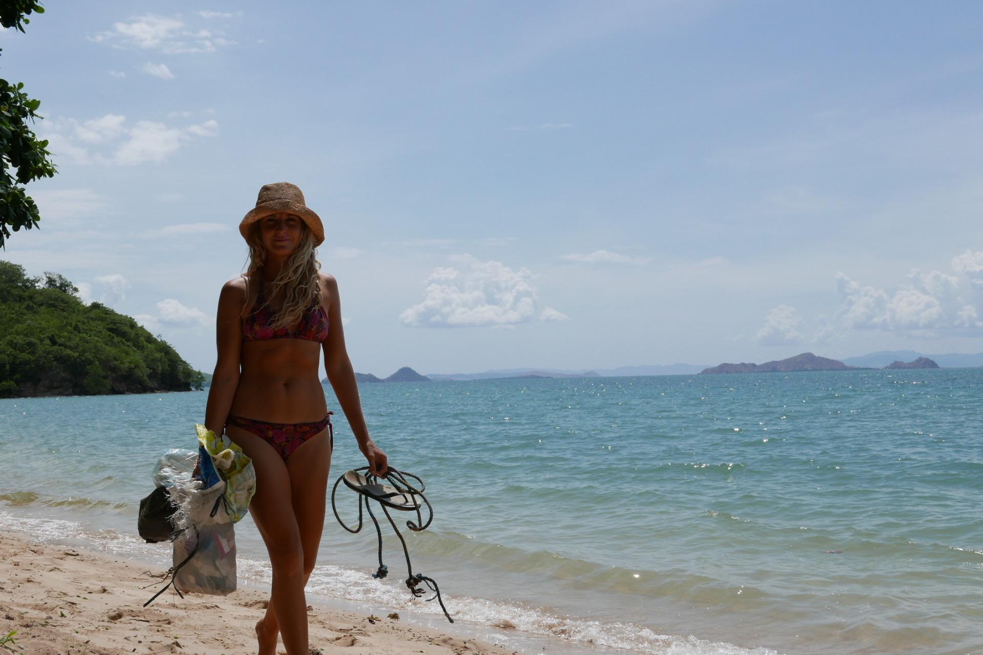 Beach Clean Up in Labuan Bajo