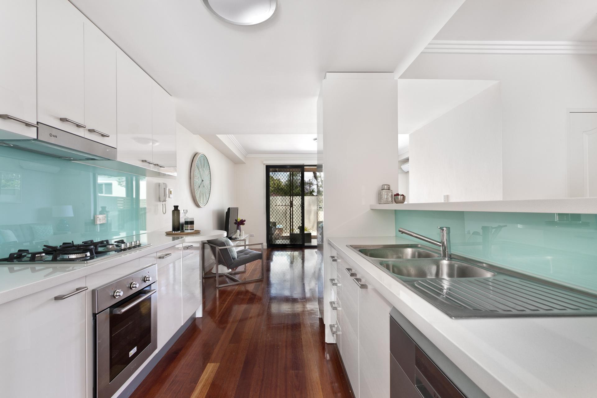 Modern gourmet kitchen interior. Landsons.co.uk