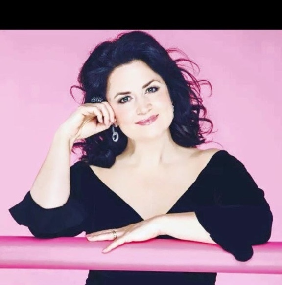 Ruth Jones for Woman magazine hair Ken Picton salon photographer Trevor Leighton