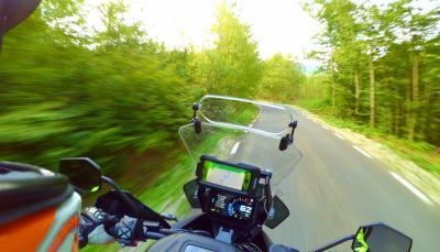Carpathian 2 Wheels Guides - povestea României pe două roţi