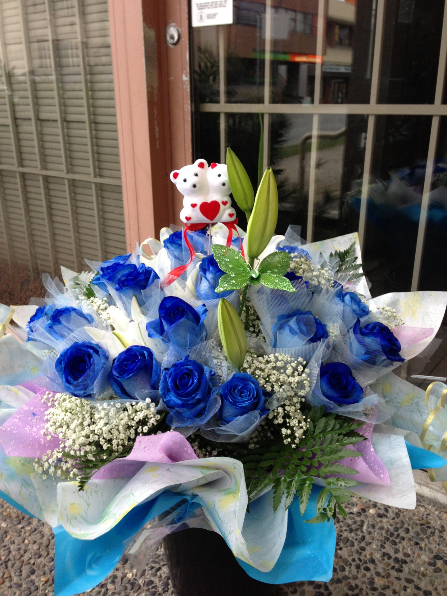 Blue Roses Hong Kong style Bouquet