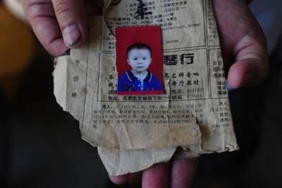 Se volvió taxista para encontrar a su hija perdida y lo consiguió.