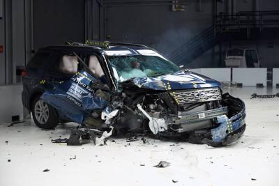 Las SUV's comerciales que no pasaron la prueba del IIHS de Estados Unidos.