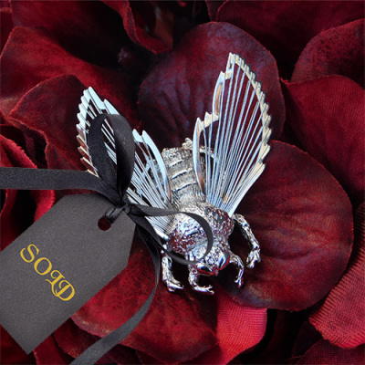 Monet Spinneret Bee Brooch