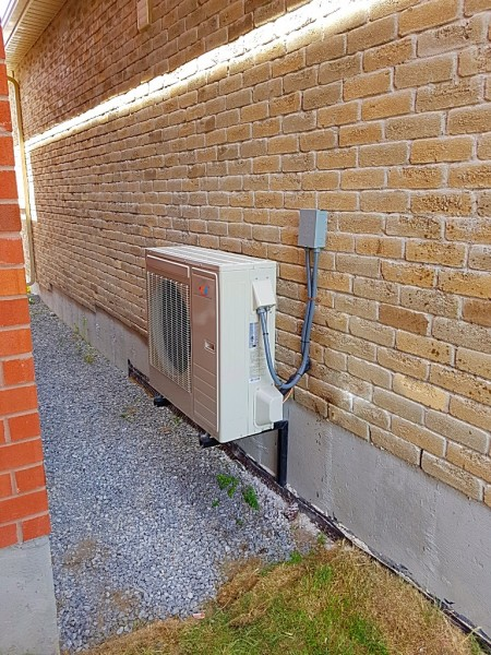 AC Installation, Moving, Repair, Fix, Whitby, Oshawa, Pickering, Ajax, Bowmanville, Courtice, New Castle, Air Conditioner, Cooling, Ductless