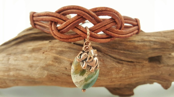 Knotted Light Brown Indian Agate Clasp Bracelet