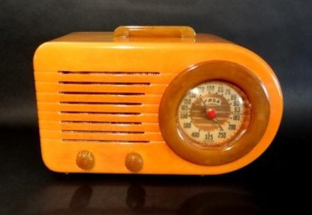 Fada 1000 Bullet Catalin Radio