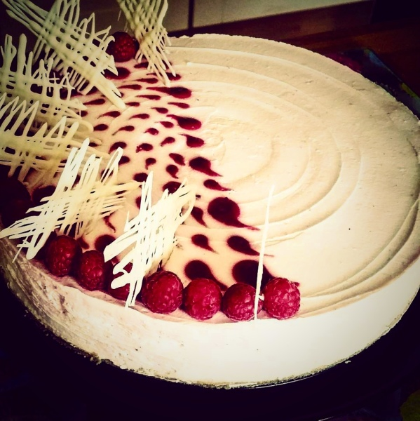 Scottish Speyside Raspberry and White Chocolate Cheesecake