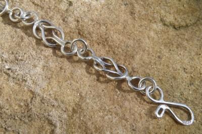 Celtic Bracelet Design C3 Peardrop