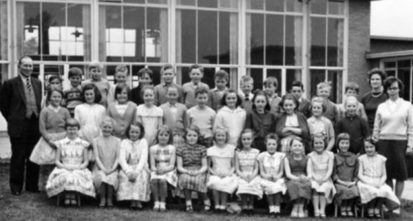 William Lee circa 1963 - Back row:- Mr. Jackson, Peter Reeve, ?, ?, ?, ?, Robert (son of caretaker), Bobby Redden,Steven (?) Longdon, Michael Gamble, ?, Stanley Wilkinson, ?, Stephen Barnes, Mrs Clifton, Middle:- Nora (?), Catherine Bramley, Linda Wheat, Linda Jacques, Sandra(?)Redden, ?, Rita Mills, Yvonne Straw, Lyndsey Maidment, Heather Dodds, Karen Meinhart, Student teacher Front:- Christine Goodall, Susan Plumpton, Florence Robinson, Jennifer Wright, ?, Doreen Jacques, (?) Price, Sandra Yates, June Snowden, Hazel Gascoigne, Marilyn Cook, ?.