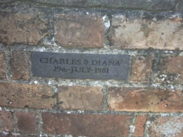 Charles & Di Plaque on 25 Main Street (a.k.a. Holly Tree Cottage)