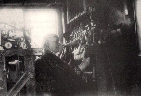 Hannah Harrison working in Windles Square 1920