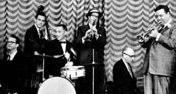 Lovely Jam Session here. Steve Allen, Jack Carter, Garry Moore, Phil Silvers, Ray Bloch, Jackie Gleason...wow what a band!