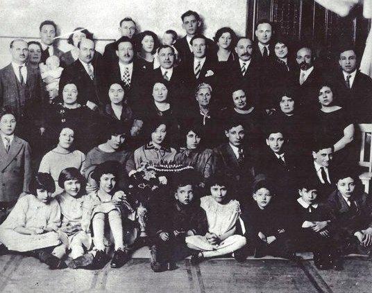 Early Gosfield family portrait (photo courtesy Annie Gosfield)