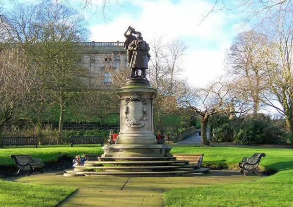 Base & pedestal of granite and Portland stone, main design by E Rickards, bronze sculptural group by Henry Poole.