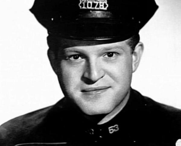 Hank Garrett as Nicholson.