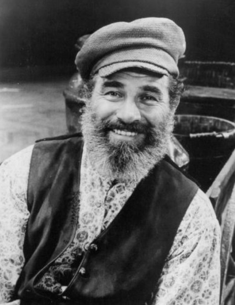 Bob Carroll as Tevye.
