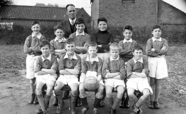 Labray School 1950-51 - Only one recognized, far right Frank Williams.