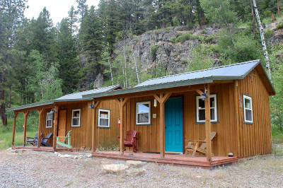 2 Guest Cabins