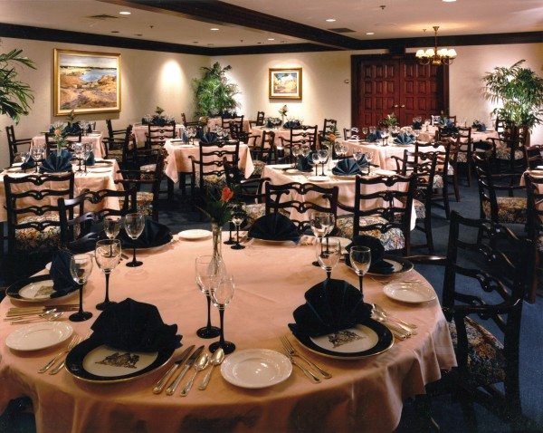 Country Club Dining