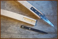 Crooked knife handle and blade fastening