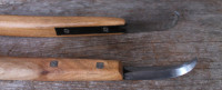 bottom and top of crooked knives