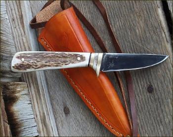 A handmade versatile utility knife