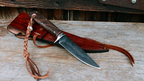 Right profile of the Kootenay hunting knife