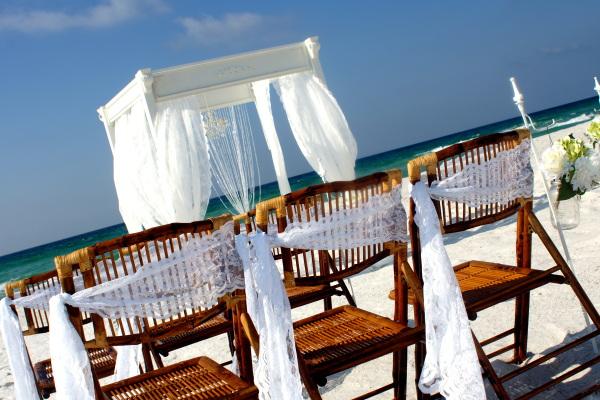 Simple beach weddings in Navarre Florida