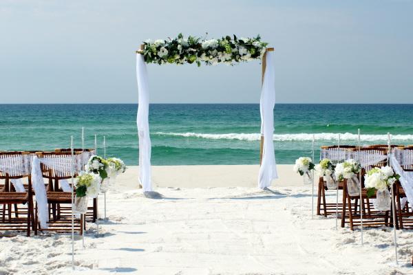 Simple beach weddings in Fort Walton.